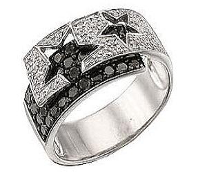 Изделия с черными бриллиантами входят в моду